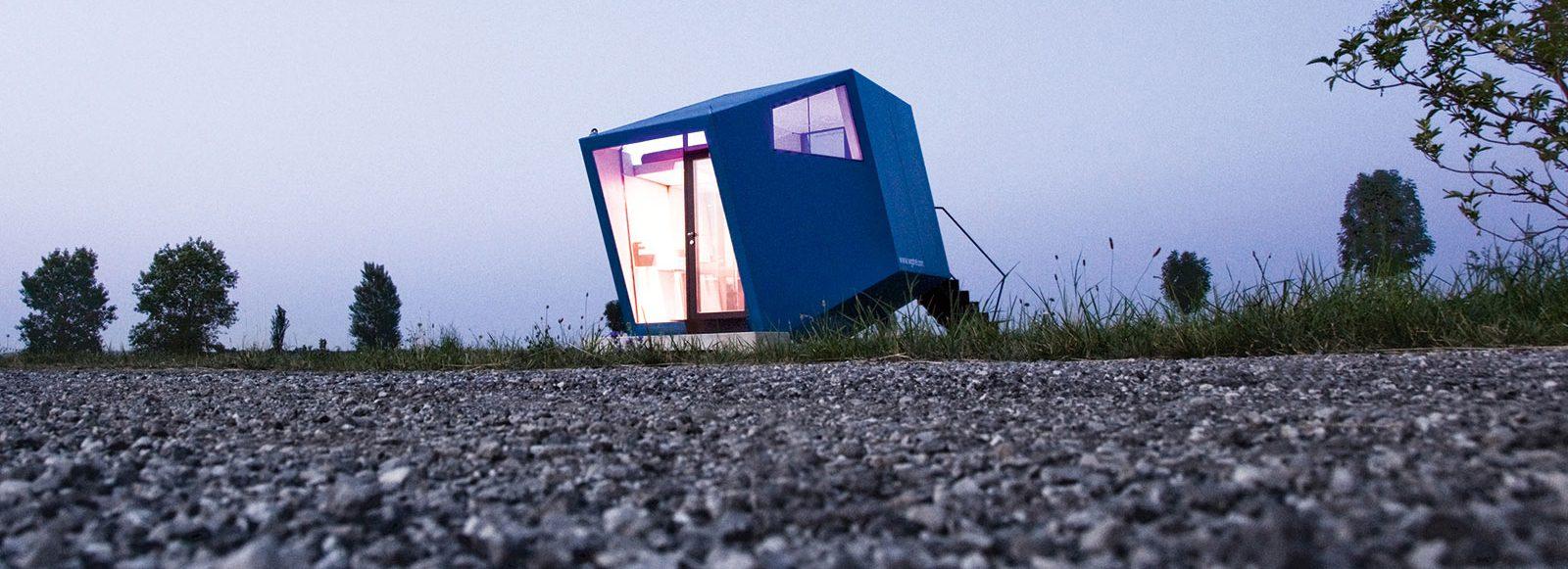 living in a box maxima. Black Bedroom Furniture Sets. Home Design Ideas