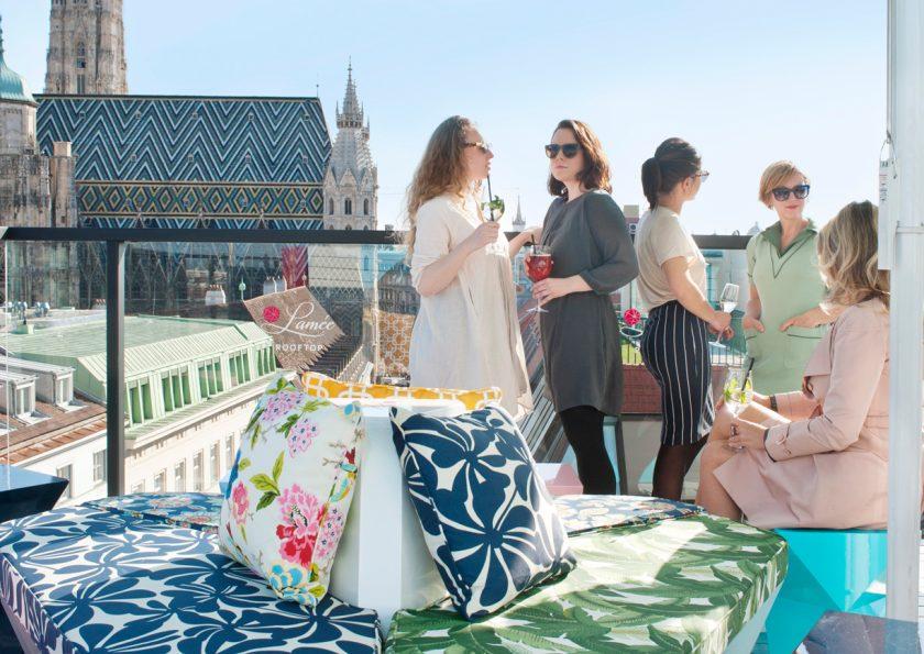 8 coole rooftop bars f r laue sommerabende maxima. Black Bedroom Furniture Sets. Home Design Ideas