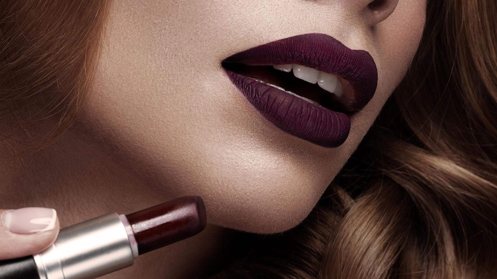 So Tragt Man Dunklen Lippenstift Nicht Nur Im Herbst Maxima
