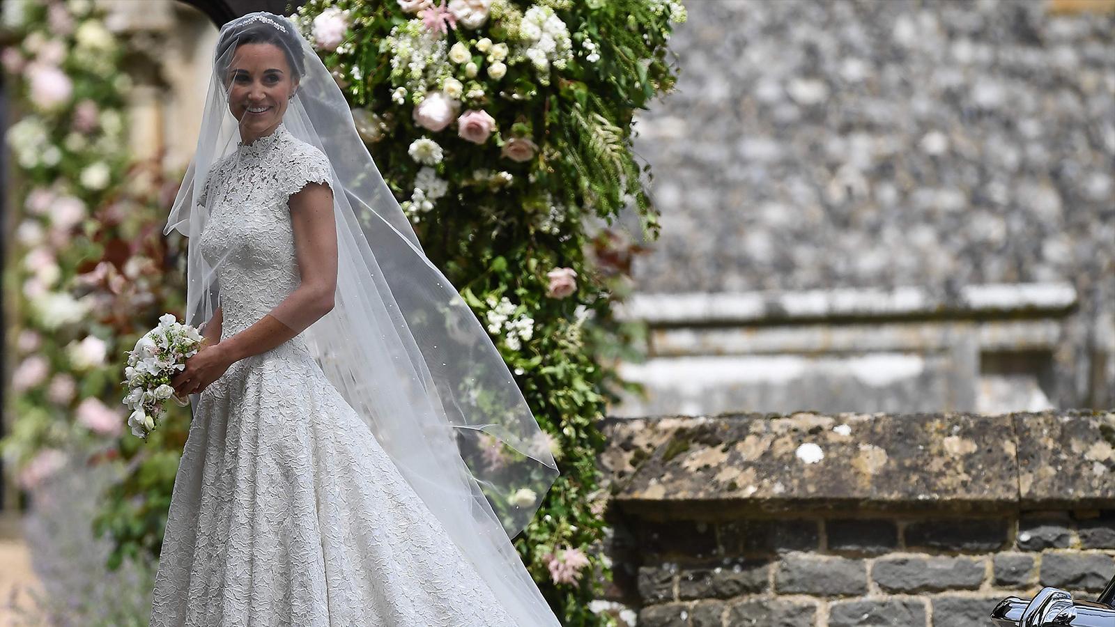 Wir sagen JA! Die schönsten Brautkleider der Stars 2017