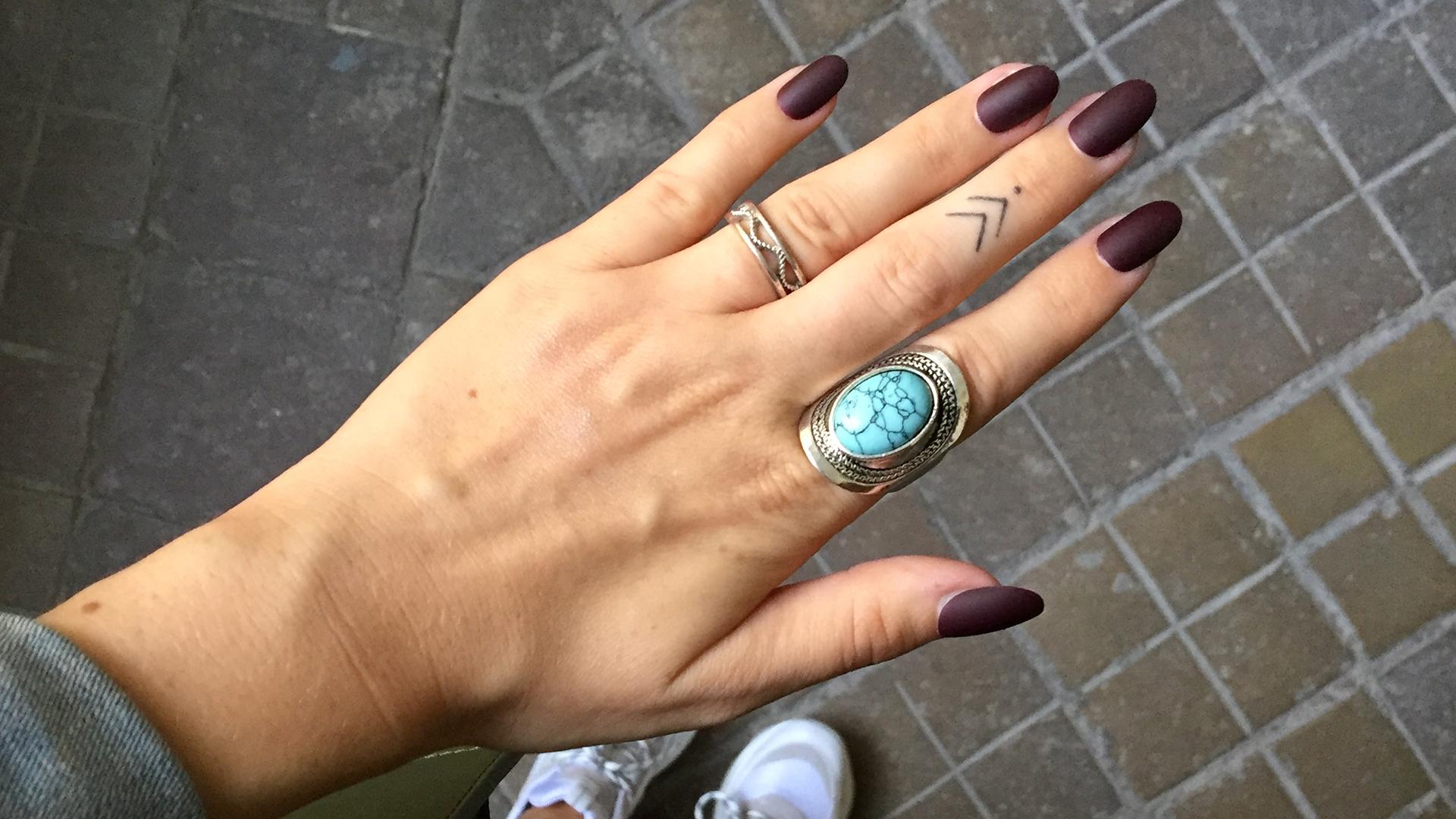 Weinrot fingernägel Gefälschte Nägel